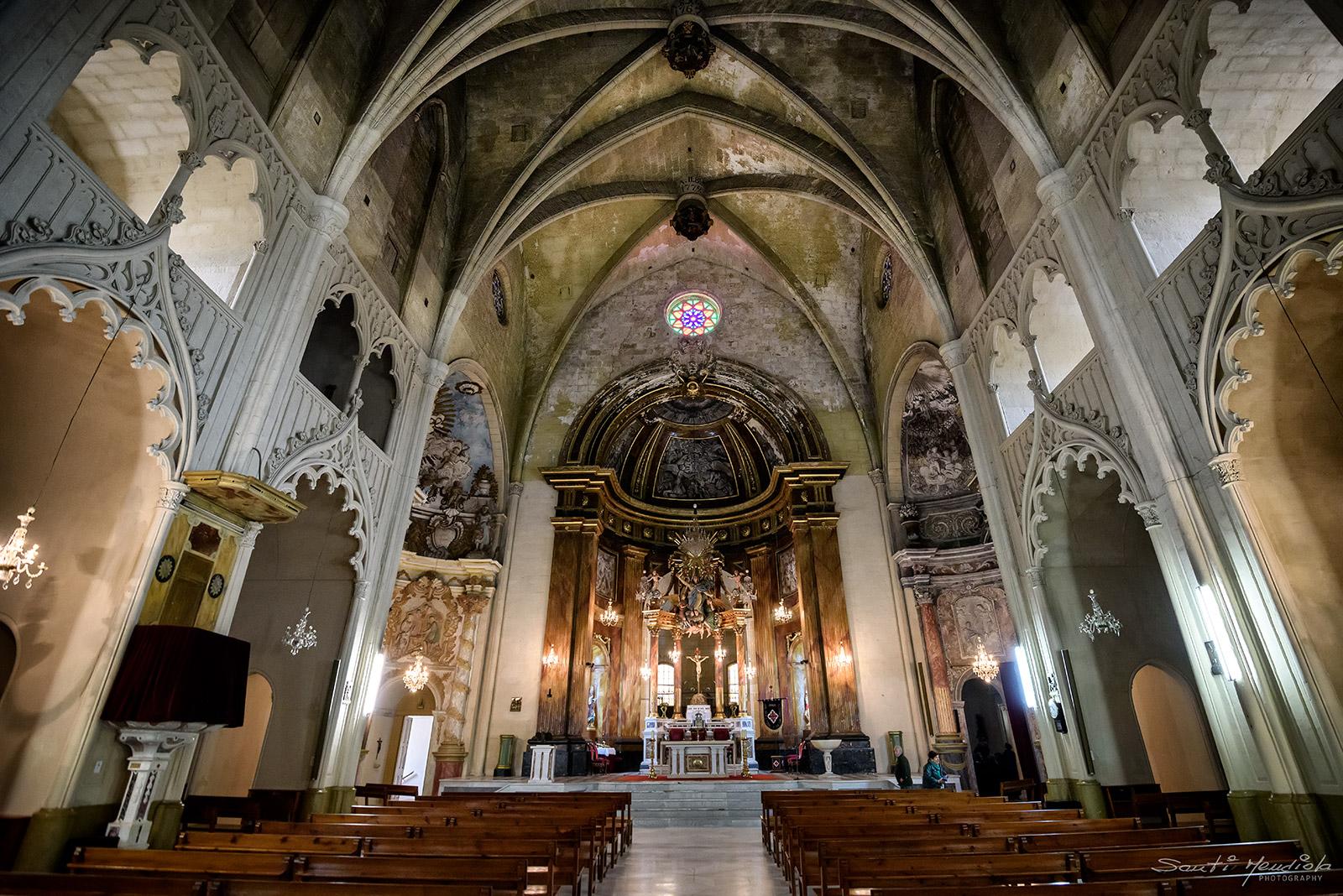 Iglesia De Santa Maria Mahon Santi Mendiola